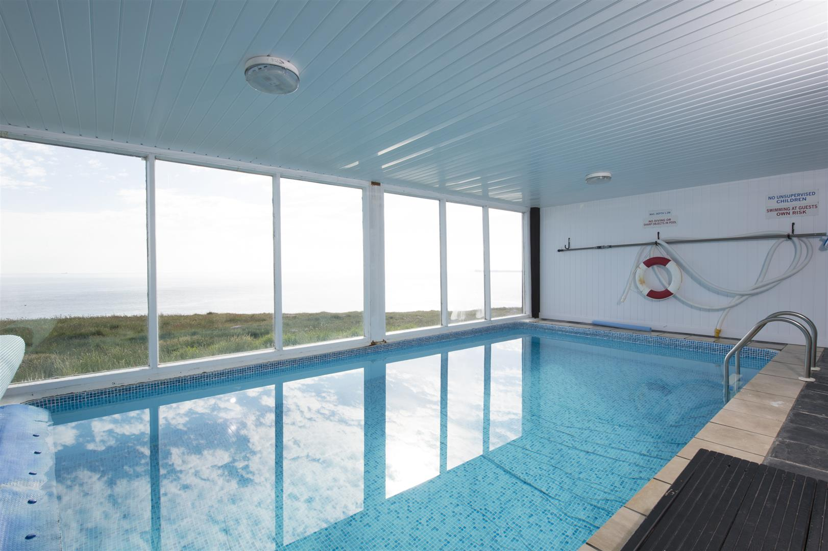 Swimming pool, sauna and gym room